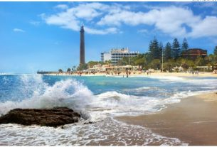 FLIGHTS, ACCOMMODATION AND MOVEMENT IN GRAN CANARIA
